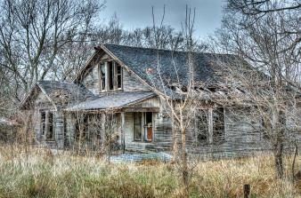 abandoned-farmhouse